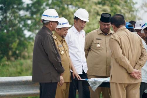 Jokowi di Kutai Kartanegara. (Foto : Biro Pers Sekretariat Presiden)