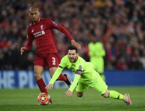 Fabinho vs Lional Messi (Foto: UEFA)