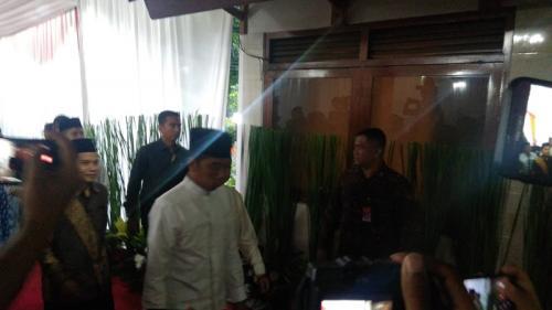 Jokowi hadiri buka puasa bersama di kediaman Ketua MPR Zulkfili Hasan (Foto : Fakhrizal Fakhri/Okezone)