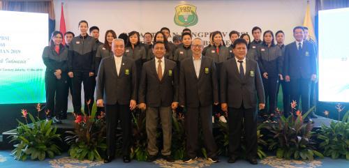 Pengurus PBSI bersama Tim Bulu Tangkis Indonesia