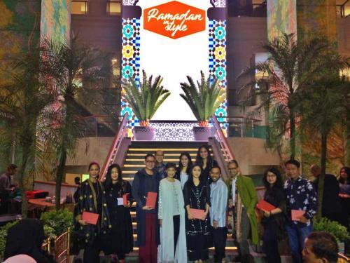 permintaan dan juga perkembangan industri modest fashion wear di Indonesia sangat tinggi.