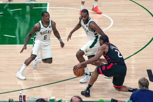 Milwaukee Bucks vs Toronto Raptors (Foto: NBA)