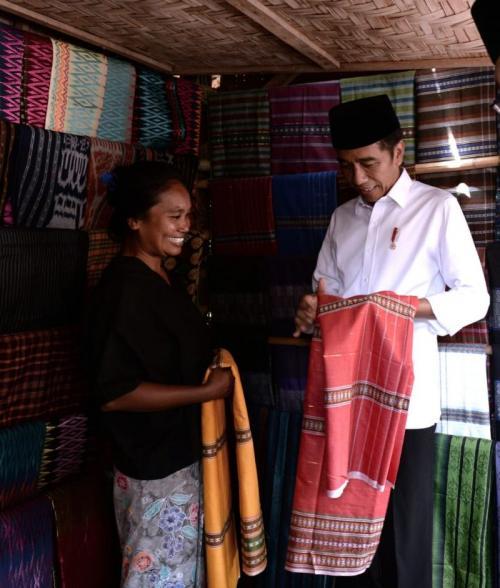 Jokowi di NTB (biro pers)