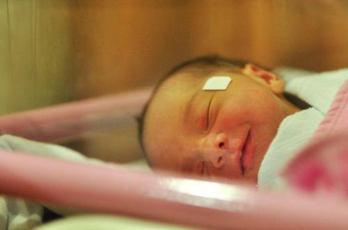 Kelahiran anak Christin Natalia