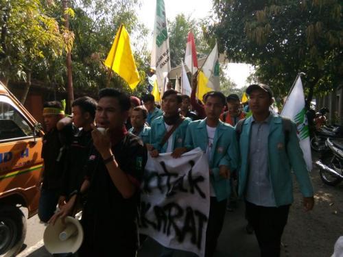 Demo Mahasiswa Soloraya terkait Pemilu (Foto: Bramantyo/Okezone)