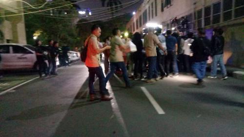 Rombongan Prabowo membawa makanan untuk Lieus dan Eggi