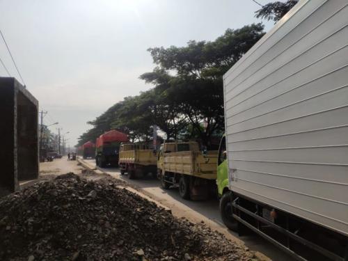 Kemacetan di Jalan Dadap-Rawa Bokor (foto: Ist)