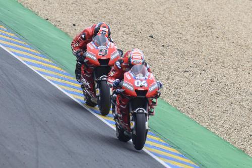 Andrea Dovizioso dan Danilo Petrucci (Foto: MotoGP)