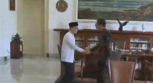 Jokowi dan Zulhas (Fakhrizal Fakhri)
