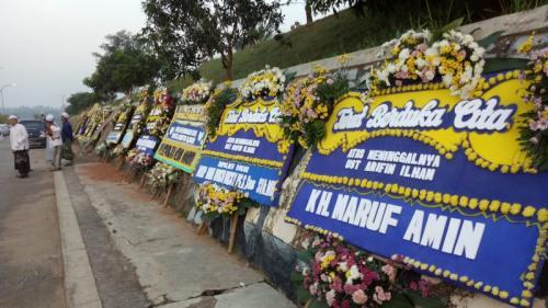 Karangan Bunga Arifin Ilham (Putra Ramadhani)