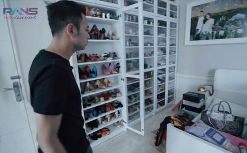 Koleksi sepatu dirinya dan sang istri, menurut Raffi Ahmad bernilai Rp1,5 miliar.