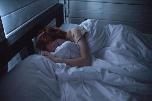 Tidur tidak dianjurkan usai makan sahur.