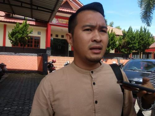 Caleg Partai Gerindra Nomor 2 Dapil 2 Tanjungpinang M Apriyandi (Andi) yang juga Anak Wali Kota Tanjungpinang Syahrul Usai Jalani Pemeriksaan di Satreskrim Polres Tanjungpinang (foto: Bunga Ashab/SIND