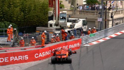 Sebastian Vettel mengalami kecelakaan (Foto: F1/Twitter)