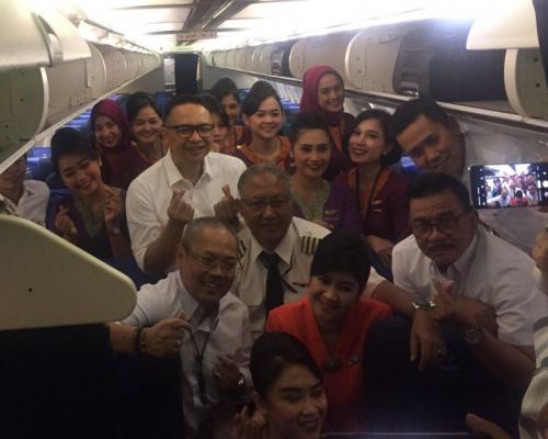 Komisaris dan Direksi Sriwijaya Air layani penumpang