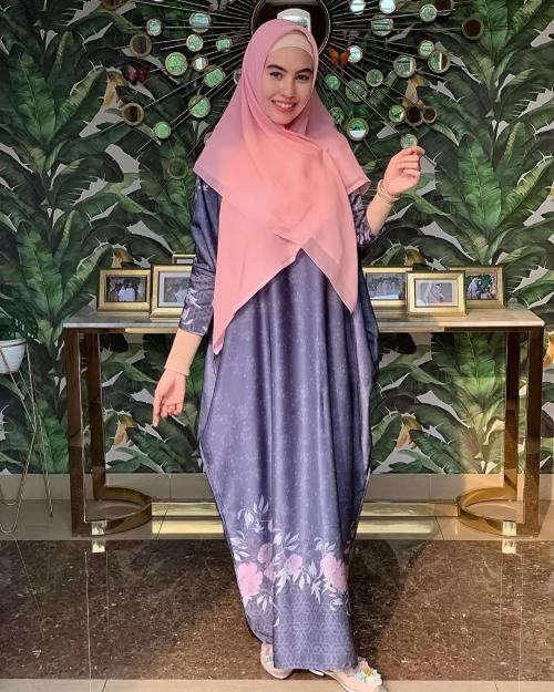 kartika putri hijab pink