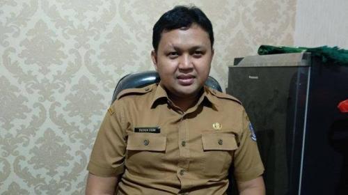 Plt Kepala Dinas Kesehatan Kota Tangsel, Deden Deni. (Foto : Hambali/Okezone)