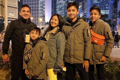 Amara Lingua dan keluarga