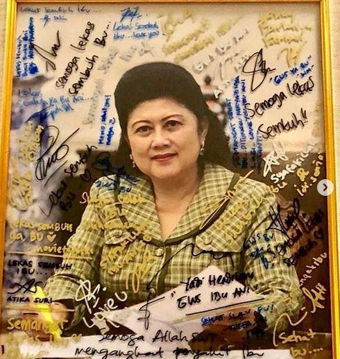 Ani Yudhoyono in memorian