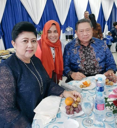 Jane Shalimar dan Ani Yudhoyono