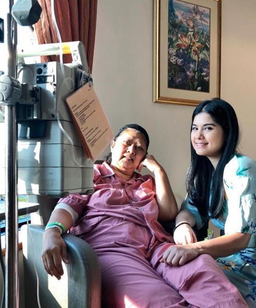 Ani Yudhoyono dan Annisa Pohan