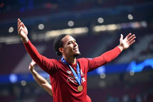 Virgil Van Dijk memperkuat Liverpool