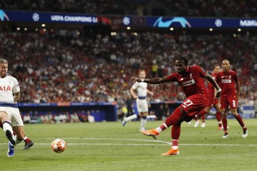 Divock Origi vs Tottenham Hotspur (Foto: UEFA)