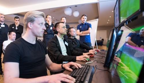 UEFA menggelar pelatihan VAR (Foto: UEFA)