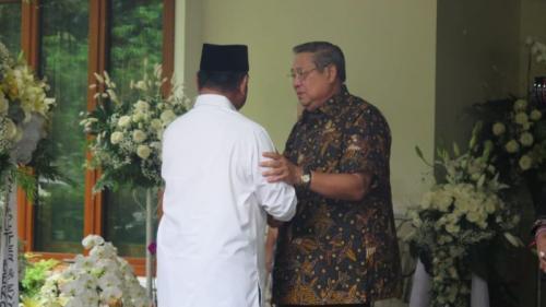 Prabowo takziah ke kediaman SBY