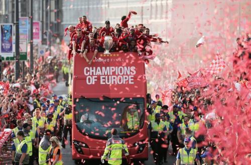 Pawai juara Liverpool (Foto: UEFA)
