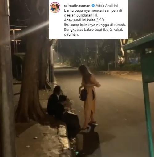 Aksi sosial Salmafina kepada seorang pemulung dan anaknya dianggap netizen sekadar pencintraan semata. (Foto: Instagram)