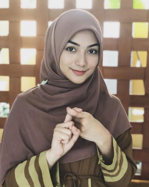 Profesinya sebagai artis, malah membawa Citra Kirana untuk mantap mengenakan hijab. (Foto: Instagram)