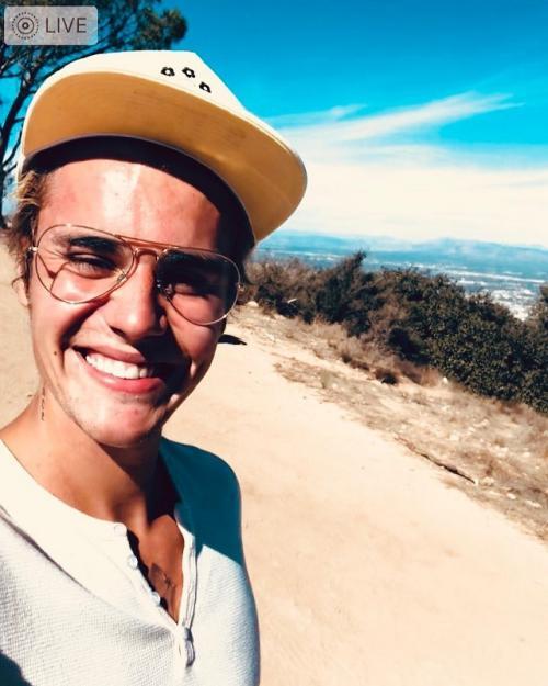 Justin Bieber memanfaatkan masa vakumnya dengan fokus berbisnis fesyen dan kecantikan. (Foto: Instagram)