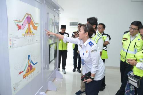 Peninjauan Pembangunan Bandara Syamsudin Noor