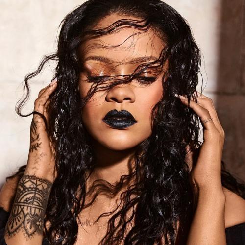Lalu dari mana saja kekayaan Rihanna tersebut? (Foto: Instagram)