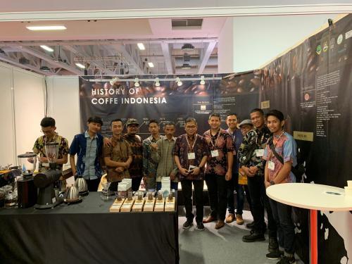 Di pameran ini, Indonesia memperkenalkan keunggulan kopi Indonesia khususnya Arabica specialty