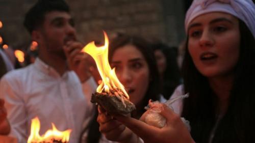Tahun baru tahun ini punya makna tersendiri karena juga menandai kekalahan ISIS, kelompok yang menyerbu desa Yazidi di Lalish di Irak utara. (Reuters)