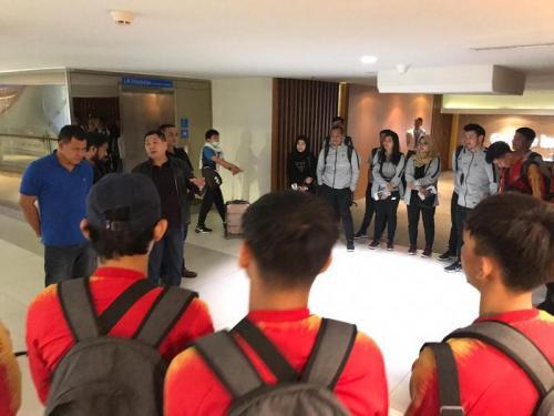 Hary Tanoe saat memberi arahan kepada skuad Timnas Futsal Indonesia