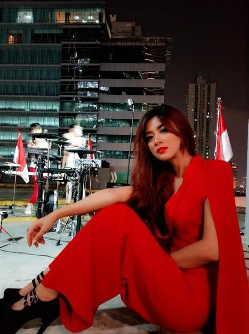 gwen priscilla merah