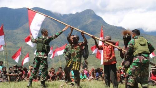 TNI di Papua. (Foto: iNews.id)