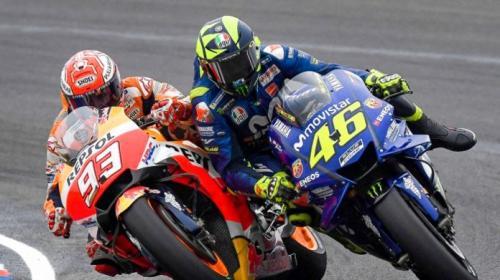 Valentino Rossi dan Marquez terlibat sentuhan
