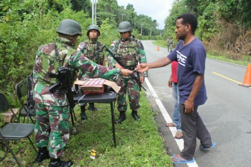 Satgas Yonif 328 Sita Miras Ilegal di Perbatasan RI-PNG (Dispenad)