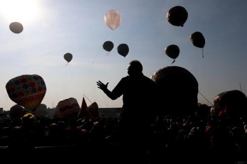Balon Udara Tradisi Syawalan di Pekalongan