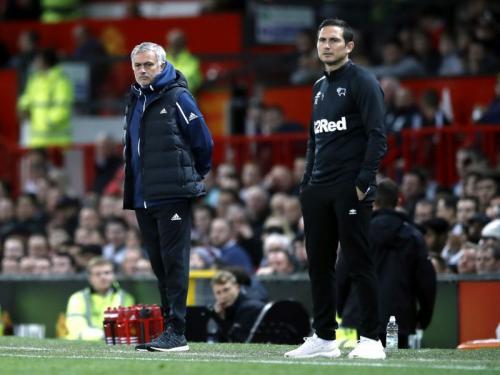 Lampard saat beradu taktik dengan Mourinho