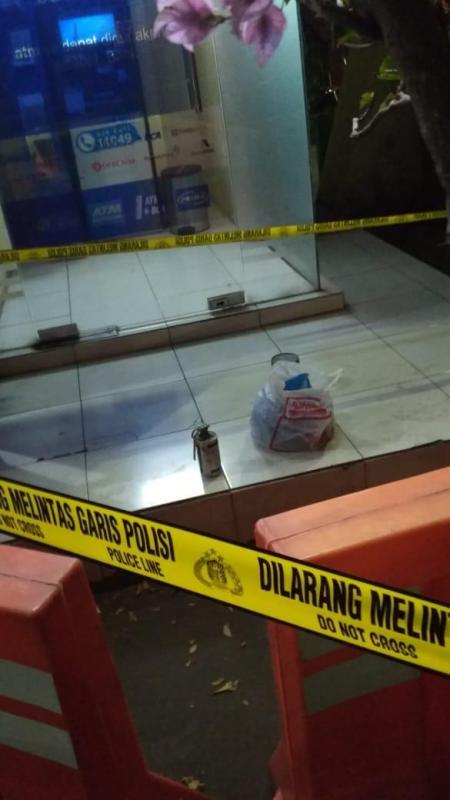 Benda diduga bom di Mapolresta Cirebon. (Foto: Humas Polres Cirebon Kota)