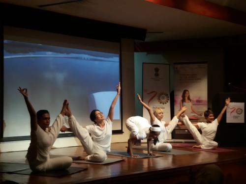 Yoga Sehat
