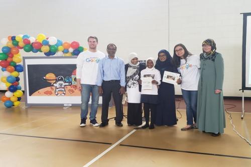 Gadis Muslim pemenang kompetisi logo Google Doodle