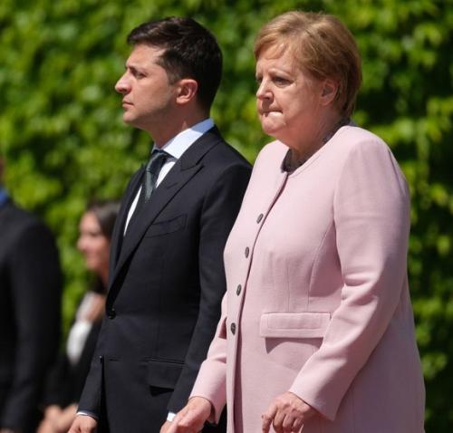 Angela Merkel kejang-kejang