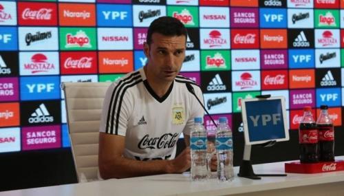 Pelatih Timnas Argentina Lionel Scaloni (Foto: Argentina/Twitter)