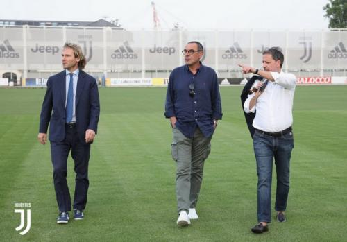 Sarri saat berkunjung ke markas Juventus